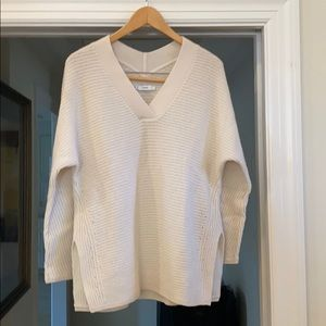 Vince cream colored cable knit sweater - small